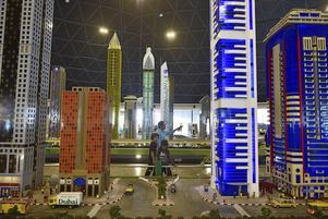 Miniland är en detaljerad legoversion av centrala Dubai.