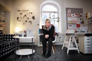 Lena Andersson driver pr-byrån Olga & Friends. Olga eftersom hon alltid har kallats för det, Friends för de samarbetspartner hon har.