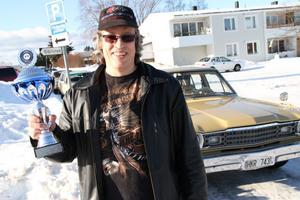 – Min Plymouth är ju närmast en bruksbil... konstaterade en överraskad Patrik Holmin, som lär ha nån finare bil att ta fram då drivorna smälter.