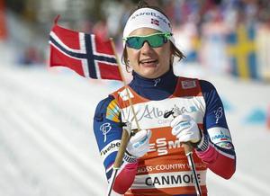 Norska sprintdrottningen Maiken Caspersen Falla vann dagens sprint före Astrid Uhrenholdt Jacobsen och Ingvild Flugstad Östberg.