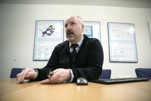 Per Karlsson, områdeschef vid Keolis, är frustrerad. Han menar att kameror ökar säkerheten för både bussförare och resenärer.