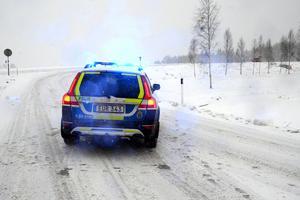 Trafikolycka i Gustafs, vid påfarten till riksväg 70, i riktning mot Borlänge. Två personbilar var inblandade, men ingen person kom till skada.