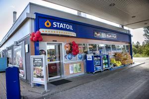 Circle K/Statoil utsattes under natten för dubbla snatterier.