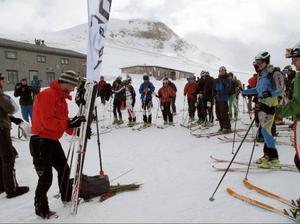 Strax innan starten på en skidalpin tävling i Sylarna 2011. Datumen för vinterns återstående tävlingar finner du på skidalpinism.se.