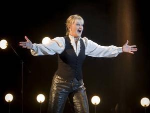 """Mångsidiga Sissela Kyle. Av många ansedd som Sveriges roligaste kvinna. Nu kommer hon till Gävle för tre föreställningar med sin hyllade show """"Dina dagar är räknade""""."""