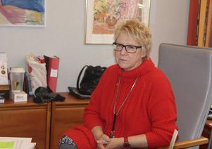 Efter det att rapportens sparförslag presenterades är det många oroliga som hör av sig till förra kommunalrådet Ewa Lindstrand.