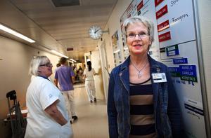 Akutmottagningens verksamhetschef Annika Berglund tycker det vore bra för patienterna om primärvårdsjouren åter flyttade tillbaka till sjukhuset i anslutning till akuten.– Det ska vara en väg in för patienterna till den vårdnivå som de behöver, säger Annika Berglund.