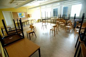 Ett klassrum har stängts efter att ha dömts ut av Arbetsmiljöverket.