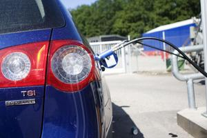 Mora, Leksand och Borlänge är bäst i Dalarna när det gäller andelen av de kommunala bilarna som är miljöbilar.