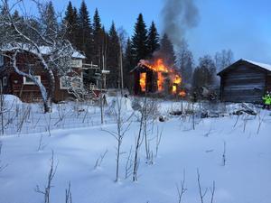 Villan var övertänd när räddningstjänsten kom fram till platsen.