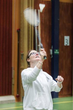 Marit Wahlström har spelat badminton i tio år. Kursen ser hon bland annat som en möjlighet att få friska upp speltekniken.