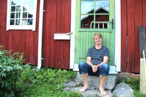 Sommarstugan i Lingbo har blivit familjen Nummelins svenska hem, här kan Wiktor stänga av några veckor och återhämta sig inför ett nytt intensivt arbetsår.