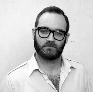 Fredrik Lundqvist är teaterchef och konstnärlig ledare på 4:e teatern.