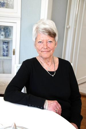 Lena Molander handlade med tyger från textilstaden Borås och skapade fyra butiker i Hamrånge, Ockelbo, Söderhamn och Bollnäs. Kvaliteten var briljant, och ännu används hennes påslakan som såldes på 1970-talet!   Foto: Ulrica Källström