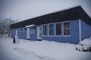 Till Blå lokalen på Granbergshöjden är alla välkomna för att umgås, delta i studiecirklar, ta en fika eller hämta ut en matkasse.