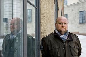 Ola Larsmo har skrivit om svenskslummen i Swede Hollow.