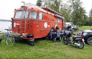 På en del campingar i Europa har bussen blivit stoppad tills ägarna sett att det inte har varit ett ungdomsgäng som kommit.– När jag och Tommy klivit ur, då är det inga problem, säger Marie.