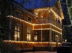På Nya Söråkersvägen finns det här praktfulla huset att beskåda.