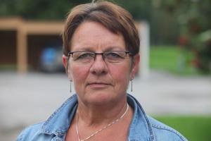 54  - åriga Bergsjöbon Berith Danielsson har ett varierat yrkesliv bakom sig. Innan hon började i äldrevården jobbade hon på kartongtillverkaren Strömsbruk, på Hudiksvalls sparbank och på Hassela Sportcenter. Hon var en period fackordförande i Pappers.