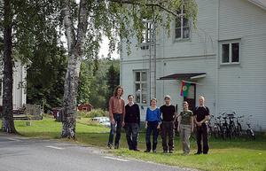 De sex hantverkarna och egna företagarna i Näsängets gamla skola.   Tomas Peters, Carolina Åman, Malin Baumann, Erik Öberg, Daniela Bauman och  Johan Kjellgren.