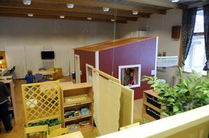 Fritids har nu flyttat in i aulan och därför finns det inte längre plats för biblioteket i skolans lokaler.