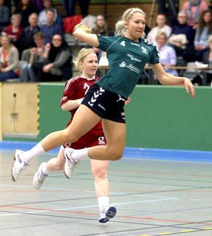 Skot kommer från sexmålsskytten Mathilda Larsson.