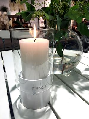 4. Enkel och stilren lykta, från Ernst, Färg&Form.