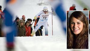 Charlotte Kalla utklassade sina konkurrenter och tog sin första riktiga världscupseger i damernas 10 kilometer fristil i lördagens världscuppremiär I Gällivare. Med tiden 24.07.8 var hon 24,4 sekunder före tvåan Marit Björgen, Norge. Moras Anna Haag åkte in på en 15:e plats. Foto: Anders Wiklund/Scanpix, Jörgen Wåger