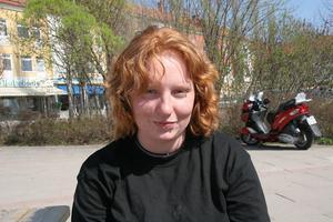 Frida Ström, 22, Ljusdal– Jag vill vara naturlig. Det är lättare att bara låta håret vara, fixar man till det börjar det ändå regna.