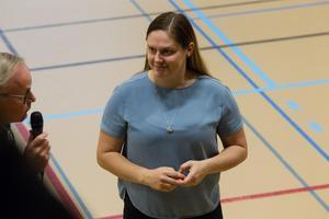 Hanna Pettersson var nöjd när hon intervjuades i pausen mellan den första och den andra perioden.