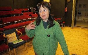 Catherine Gordon har översatt och regisserat den irländska pjäsen som är över 100 år. Men irlänskan har nu blivit dalmål. FOTO: ILSE VORNANEN
