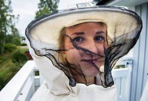 Josefin Dahlqvist trivs med sitt jobb. Människor blir alltid glada när hon hjälper dem.