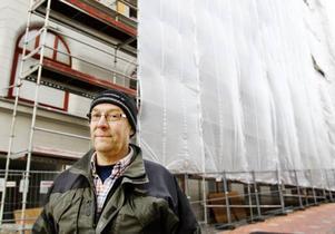 """Rolf Olofsson var en av byggarbetarna som drabbades av besvär vid saneringen av Centralpalatset. """"Värst var gaserna för dem ser man ju inte""""."""