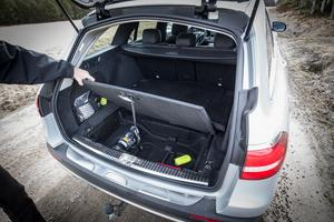 E-klass har mest bagageutrymme kombibilarna. Det rymmer 640 liter.