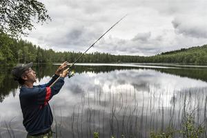 Tom Olofsson i fiskartagen.