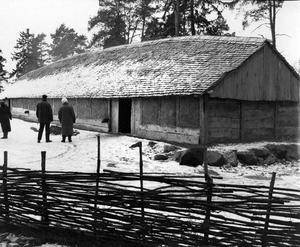 2 december 1990. Vikingahuset på Vallby friluftsmuseum.