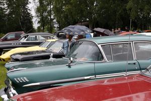 Ett 70-tal fordon deltog i bilutställningen som av Road Runners anordnades vid hembygdsgården.