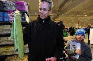 Näringslivschefen Peter Eriksson köpte en påskslips.