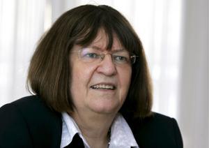 För hårda regler. Även Anna Hedborg, den förra och nuvarande regerings enmansutredare om socialförsäkringar och arbetsförmåga, inser nu att sjukreglerna är för hårda, skriver debattörerna. foto: scanpix