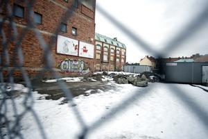 Ska bebyggas. Hyresrätter ska byggas på gamla Sjömarkstomten.