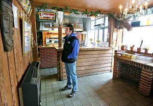 Här, på en mexikansk restaurang i Söderhamn, äter gärna amerikanen Josh Howard, nyförvärv i SFF, sin middag.