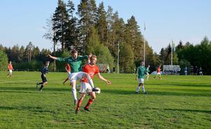 Essvik blev först uteslutna ur fotbollsfyran – men senare under fredagen meddelades att föreningen spelar klart säsongen.