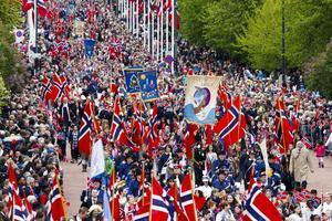 Oslo  17 maj 2015. 17-maj-firande på slottsplatsen och Karl Johans gata i Oslo.