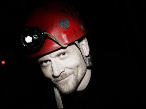 – Om man ska komma hela vägen till läger 4 handlar det om tio dagar under jord. Jag har som längst varit fyra dygn i en grotta tidigare, säger Niklas Konstenius.