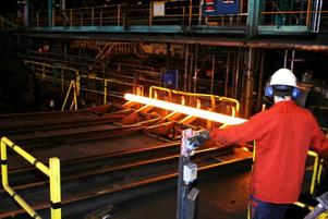 Återigen har Metall lyckats förhandla bort varsel på Ovako i Hofors. På ett möte på tisdagen röstade fackförbundets medlemmar igenom ett sex månader långt avtal med arbetstidsförkortning.