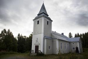 Hillsands kapell har blivit en central punkt för befolkningen i byn. Att det numera bara står och inte får användas är det många som är besvikna på.