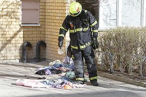 Brandkåren fick kyla ned de upphettade kläderna.