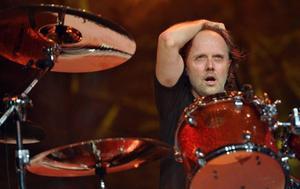 Lars Ulrich beskriver Metallicas alla idéer som plan som cirkulerar innan de ska landa. Nu har de plockat ner ett plan - konsertfilmen