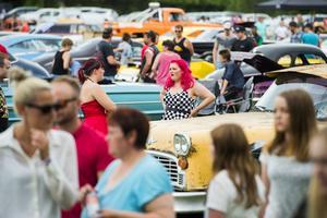 2500 besökare och 370 utställda fordon under fredagen innebar ett rekord med stor marginal.