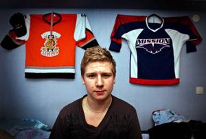 16-årige Kalle Johansson är på god väg att spela till sig en ordinarie plats i U17-landslaget.